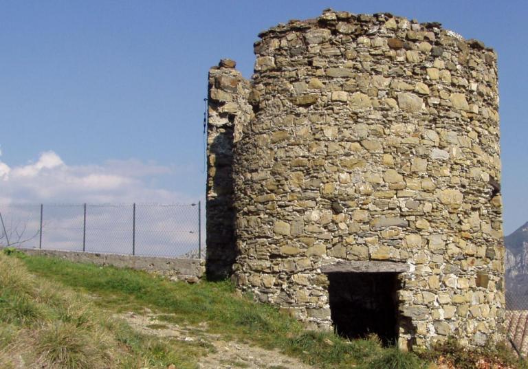 Ruines du moulin à vent d'Utelle